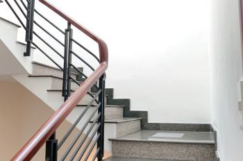 Chủ cần cho thuê gấp nhà đẹp mặt tiền đường Cao Đức Lân, giá cực ưu đãi, DT 4x20m