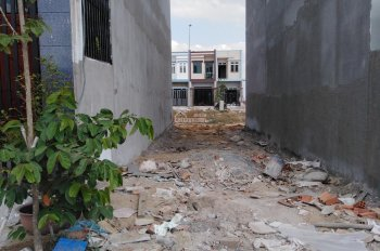 Cần bán đất gần ngã 4 đường Huỳnh Văn Lũy và Nguyễn Văn Linh 100m2/900tr. Liên hệ: 0706.457.121