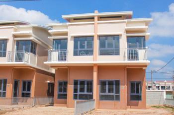 Cho thuê nhà nguyên căn mới xây 1 trệt 1 lầu, sân trước 6m, sân sau 5m, liên hệ: 0988.199.935