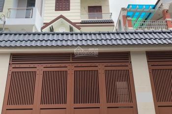 Bán nhà 2 lầu, giá 15 tỷ, đường Lê Văn Thịnh rẽ vào 50m, quận 2. LH: 0936666466