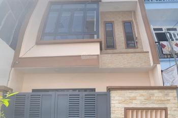 Bán nhà 3 lầu, giá 4,5 tỷ, hẻm ô tô, phường Bình Trưng Đông, quận 2. LH: 0936666466