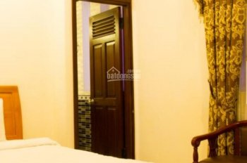 Cần bán khách sạn mặt tiền đường Bùi thị Xuân, P2, thành phố Đà Lạt. LH 0915136505