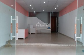 Cho thuê nhà mặt phố Trung Hòa, Cầu Giấy, DT 65m2 x 5,5T, MT 5m, thông sàn. Giá 50tr/th
