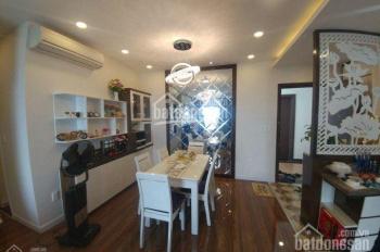 Cho thuê chung cư Hùng Vương Plaza, Q5, DT: 138m2, 3PN, nội thất, giá: 18tr/th, LH: 0906 101 428