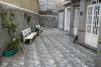 Cho thuê nhà nguyên căn đẹp, có sân vườn, 4 phòng ngủ, đường Nguyễn Khoái, Quận 4, hẻm 5m, CT 09