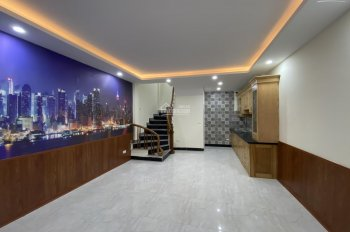 Bán nhà thời Covid - 19 ở đường Kim Giang - Cầu Lủ, Quận Hoàng Mai. DT 32m2 x 5 tầng, giá hơn 3 tỷ