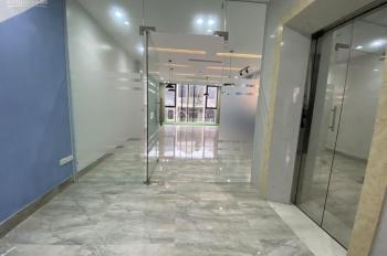 Cho thuê gấp văn phòng tại phố Nguyên Hồng. DT: 100m2/ tầng, giá thuê 15triệu/ tháng
