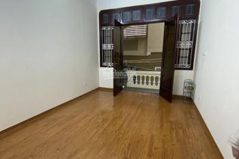 Cần cho thuê gấp nhà riêng ngõ 2 Giảng Võ, Dt: 60m2 x 5 tầng, mt: 5m, giá thuê 25 triệu/ tháng