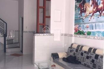 Mở bán dãy nhà phố 560tr gần chợ Hưng Long, LH 0393226040 A Tùng