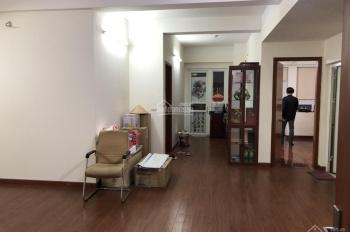 Cần bán gấp chung cư 187 Nguyễn Lương Bằng, 100m2, tầng cao, giá 3,45 tỷ, sàn gỗ, tủ bếp, rèm