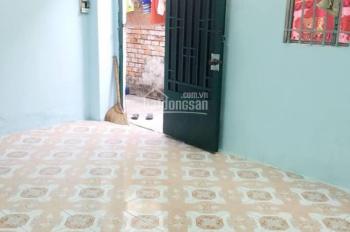 Phòng trọ Quận Tân Phú an ninh - sạch sẽ 20m2