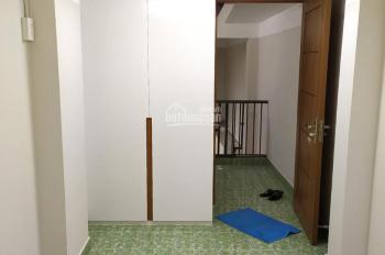 Cho thuê nhà nguyên căn hẻm Đinh Tiên Hoàng, 3.2*13m, 2 lầu, 12 triệu/tháng