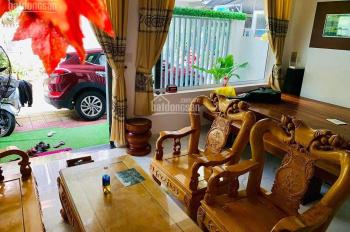 Cần bán nhà mặt tiền kiên cố 2 tầng nằm gần trục đường Hà Huy Tập. LH chính chủ: 0908426222