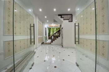 Bán nhà riêng tại Phố Khương Đình, Thanh Xuân. ô tô đỗ cửa, ngõ thông, kinh doanh nhỏ, 2 mặt thoáng