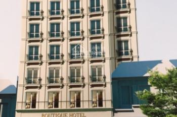 Cần bán khách sạn 3 sao trung tâm thị trấn Sa Pa, gồm hơn 60 phòng, LH: 0913851111