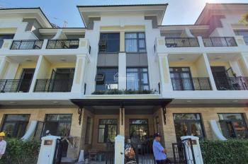 Bán nhà thiết kế đẹp Verosa Park (Khang Điền) nhà có nội thất đẹp, trả 3 tỷ giao nhà