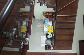 Bán nhà mặt ngõ Nguyễn Văn Cừ ô tô vào nhà nội thất gỗ yên tĩnh S 95m2, MT 5m, 6.8 tỷ