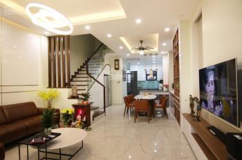 Hot nhà phố đầy đủ nội thất tại khu đô thị Lakeview City, giá chỉ 30tr/th. LH 0902446185