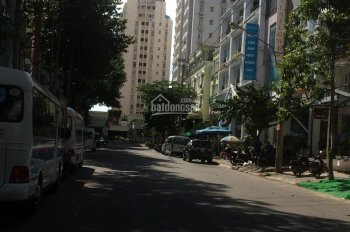 Nhà phố Hưng Gia, Phú Mỹ Hưng, Q. 7, giá rẻ 20.5 tỷ, liên hệ: 093.860.2838 Nhân