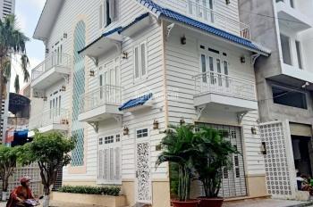 Nhà đẹp kiểu biệt thự sân vườn mini, dành cho người thích sự yên tĩnh DT: 6x13m, giá: 7 tỷ TL