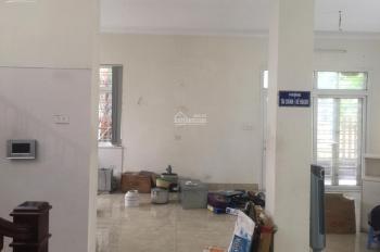 Cho thuê biệt thự 215m2, 3 tầng giá 35tr/tháng làm văn phòng phố Nguyễn Văn Lộc. LH: 0916762663