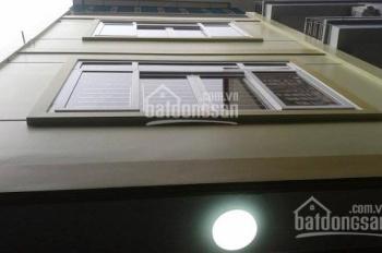Cho thuê nhà ngõ 121 Thái Hà, diện tích 54m2 x 4 tầng, ngõ ô tô đỗ cửa, giá 15 tr/tháng