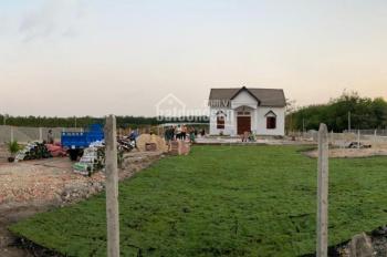 Bán gấp đất tặng căn biệt thự Chơn Thành Bình Phước, đất mặt tiền đường Cao Bá Quát 32m nhựa