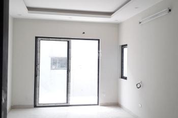 Bán nhà Gia Quất xây mới 5 tầng x 32.2m2 hướng Tây Nam ngõ 2,5m, giá 2,5 tỷ