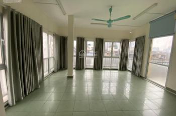 Cho thuê nhà MP Yên Lãng làm văn phòng DTSD 300m2 có thang máy, đủ ĐH mới, giá 28 triệu/tháng