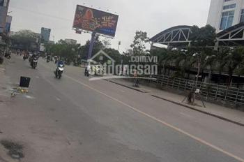 Bán nhà mặt tiền đường Bà Triệu, đối diện siêu thị Big C