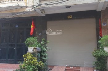 Cho thuê nhà ngõ 26, phố Đặng Thùy Trâm, diện tích 65m2 x 5 tầng, cạnh ngõ 3 phố Phạm Tuấn Tài