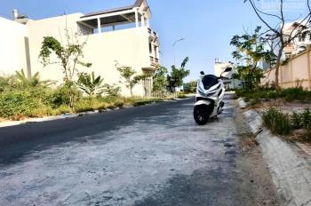 Nền góc khu Hưng Phú 1, Cái Răng, sau lưng trường học - diện tích: 5.5 x 17m