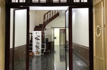 Cho thuê nhà 5 tầng ngõ 80 Ngụy Như Kon Tum, diện tích 60m2 x 5 tầng, đường trước nhà ô tô đỗ cửa