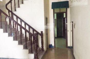 Cho thuê nhà mặt ngõ 45 Nguyên Hồng, diện tích 50m2 x5 tầng, ngõ phân lô ô tô đỗ cửa, giá 15 tr/th