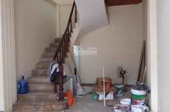 Cho thuê nhà mặt phố Thái Thịnh đoạn đẹp, DT 45m2 x 6 tầng, MT 4m, giá 30 triệu/tháng