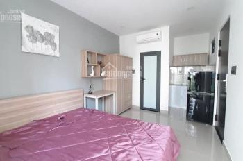 Cho thuê phòng đẹp, có ban công rộng, có bếp riêng trong phòng, full nội thất, quận 7