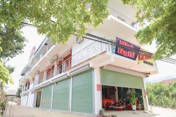 Bán nhà nghỉ karaoke cổng khu du lịch Rừng Thông Mộc Châu 720m2, LH: 0978203719