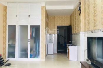 Bán nhà tại đường Trần Bá Giao, nhà cực đẹp, đang cho thuê 30 triệu/th, giá 8,2 tỷ - 0911616668