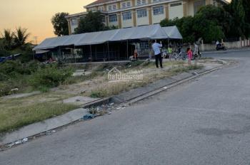 Cần tiền cho con du học nên cần bán gấp lô đất mặt tiền gần đường Trần Văn Giàu, DT 150m2, 4.5 tỷ