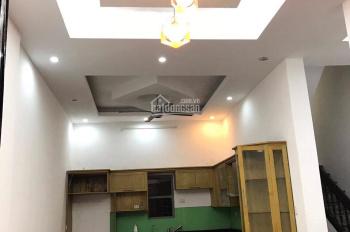 Cho thuê nhà riêng 60m2 x 4 tầng tại Hoàng Quốc Việt. Giá 17 triệu/th