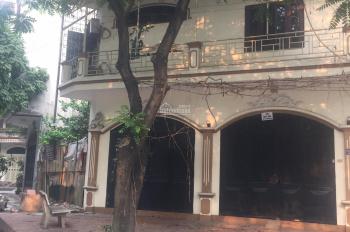 Cần tiền bán gấp nhà 137 m2, 4 tầng, MT 7,5 m, giá 16,5 tỷ