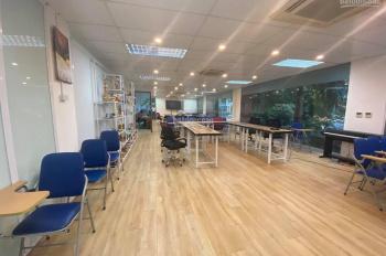 Cho thuê văn phòng 140m2 phố Duy Tân, Cầu Giấy giá thuê ưu đãi mùa dịch chỉ 32 tr/th, 0982370458