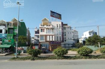 Bán biệt thự siêu đẹp Lam Sơn, P6, Bình Thạnh 4 tầng DT 16x14m. Giá 26 tỷ