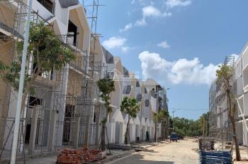 Bán nhà xây sẵn 1 trệt, 3 lầu ở trung tâm TP Bà Rịa, 5x22m, hướng ĐN, gần CV cây xanh trường học