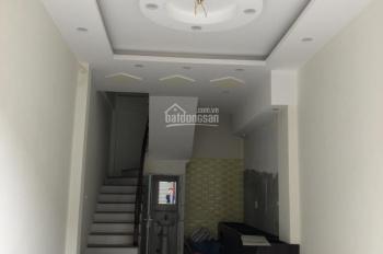 Bán nhà 4T Bế Văn Đàn cạnh bệnh viện đa khoa Hà Đông ô tô vào nhà dt 50m2*4T lô góc. LH: 0367811113