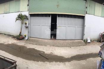 Bán kho xưởng, 28*20m, đổ 1 tấm. Xưởng sạch sẽ, cao ráo, vào là sử dụng liền, có thang tải hàng