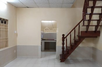 Cho thuê nhà hẻm 4m Nguyễn Văn Trỗi, 4.6*11m, 2 tầng, 10 triệu/tháng