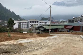 Bán nhà sau trường chuyên Hà Giang, nằm trên đồi, 2 mặt đường, giá 1 tỷ liên hệ 0912746538