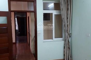 Cho thuê nhà Ngô Thì Nhậm làm văn phòng, kinh doanh, giá 12tr/tháng. LH: 0886738469