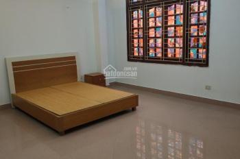 Cho thuê nhà Lê Văn Lương 40m2 x 4,5 tầng đủ đồ đẹp như ảnh, ô tô vào nhà